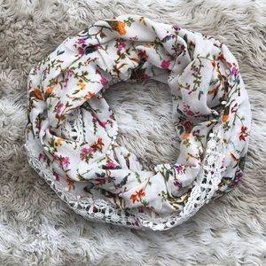 Rose & Rose floral crochet scarf/wrap
